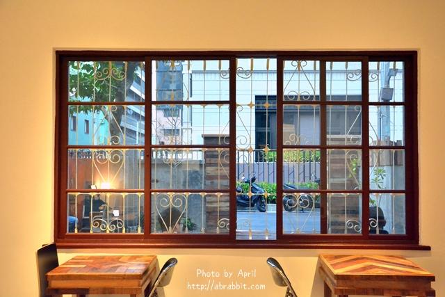 32430910483 f80488eb9b o - [台中]時光--老屋系列 part11,近日新戲院、柳川水岸步道,老屋改造巷弄咖啡廳@中區 仁愛街