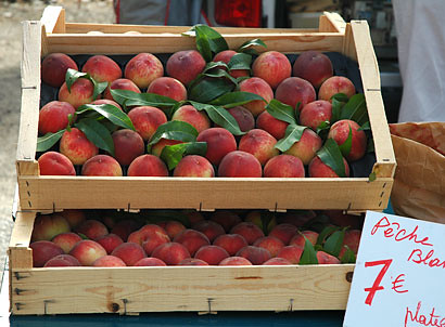 Peaches at a Provence Market | by maki