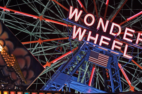 Wonder Wheel | by V@n