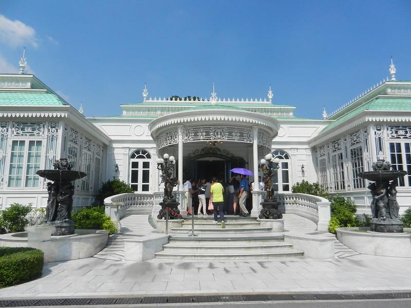 Парк дворца Дусит