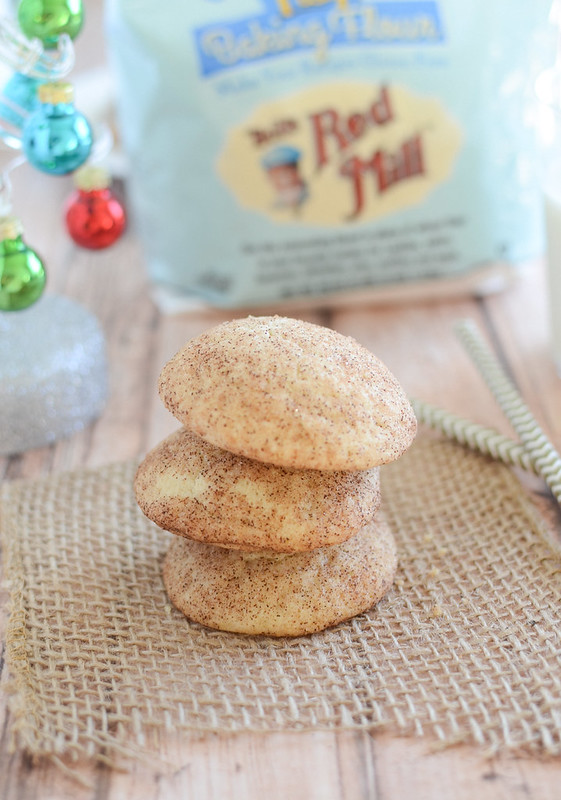 Gluten Free Snickerdoodles - easy gluten free Christmas cookie recipe! Soft and chewy cookies rolled in cinnamon sugar.