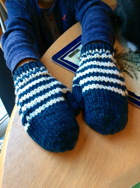 Handknit child mittens in Sheepspot Cormo Worsted yarn by irieknit