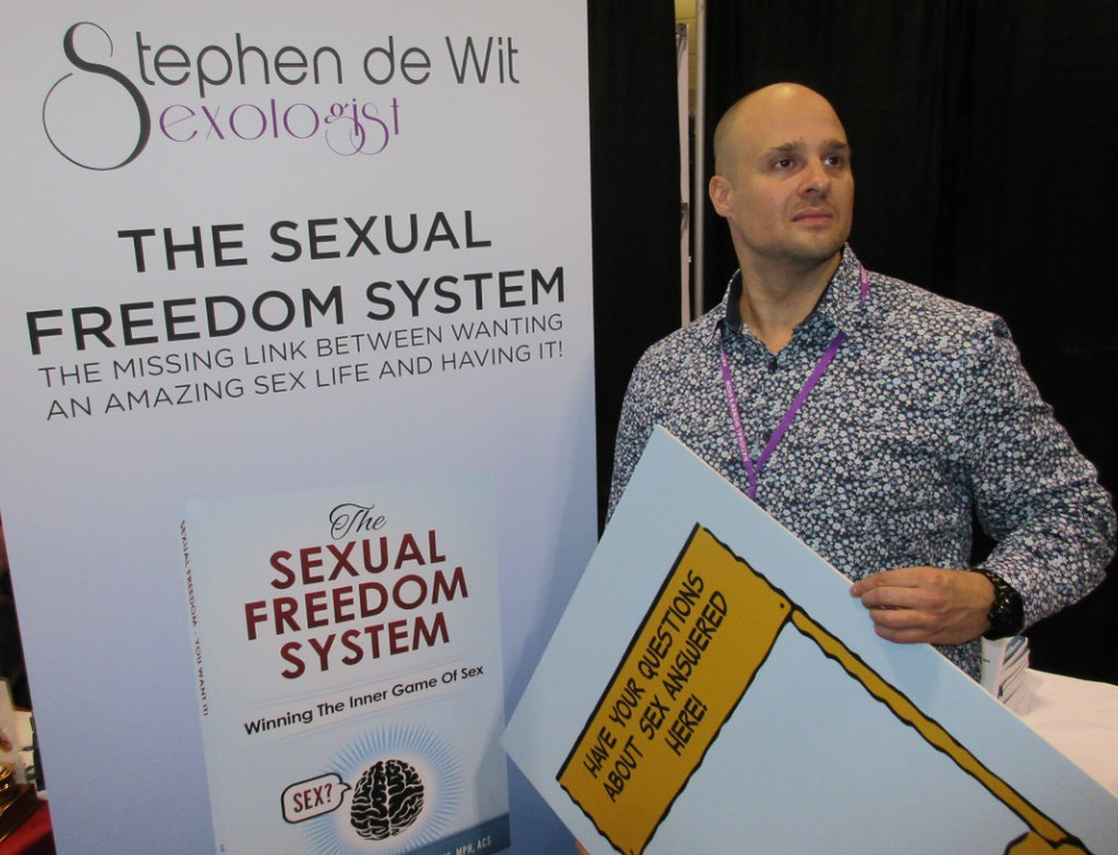Dr. Stephen deWitt, at the 2015 National Women's Show