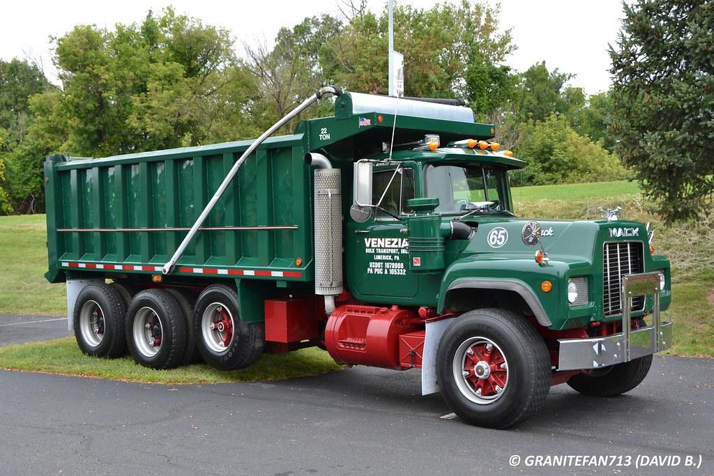Venezia Mack R Model Tri Axle Dump Truck