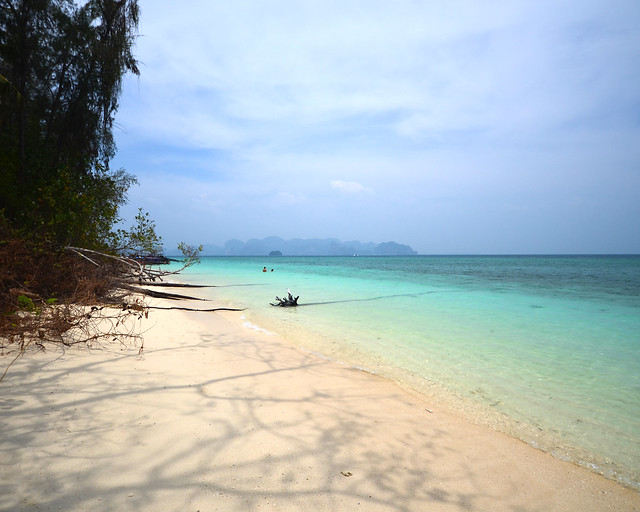 Rinconcito secreto sin gente en la isla de Poda, en Tailandia