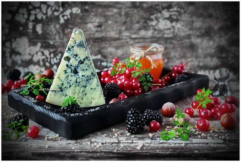 ...cheese Dor blue berries