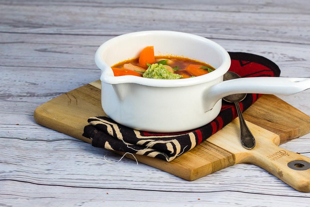 Gemüseeintopf mit Pesto via lunchforone