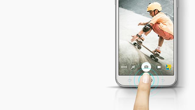 Samsung Galaxy J5 khởi động nhanh