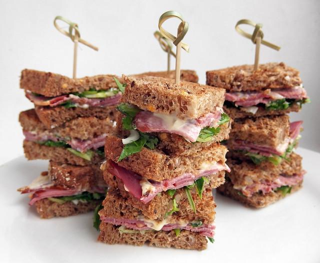 Gerookte eendenborst Sandwich