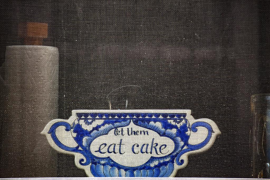 let them eat cakes--Washington