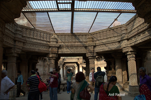 Adalaj Ni Wav , Step well, Three side entrance and Octagonal opening Ahmadabad
