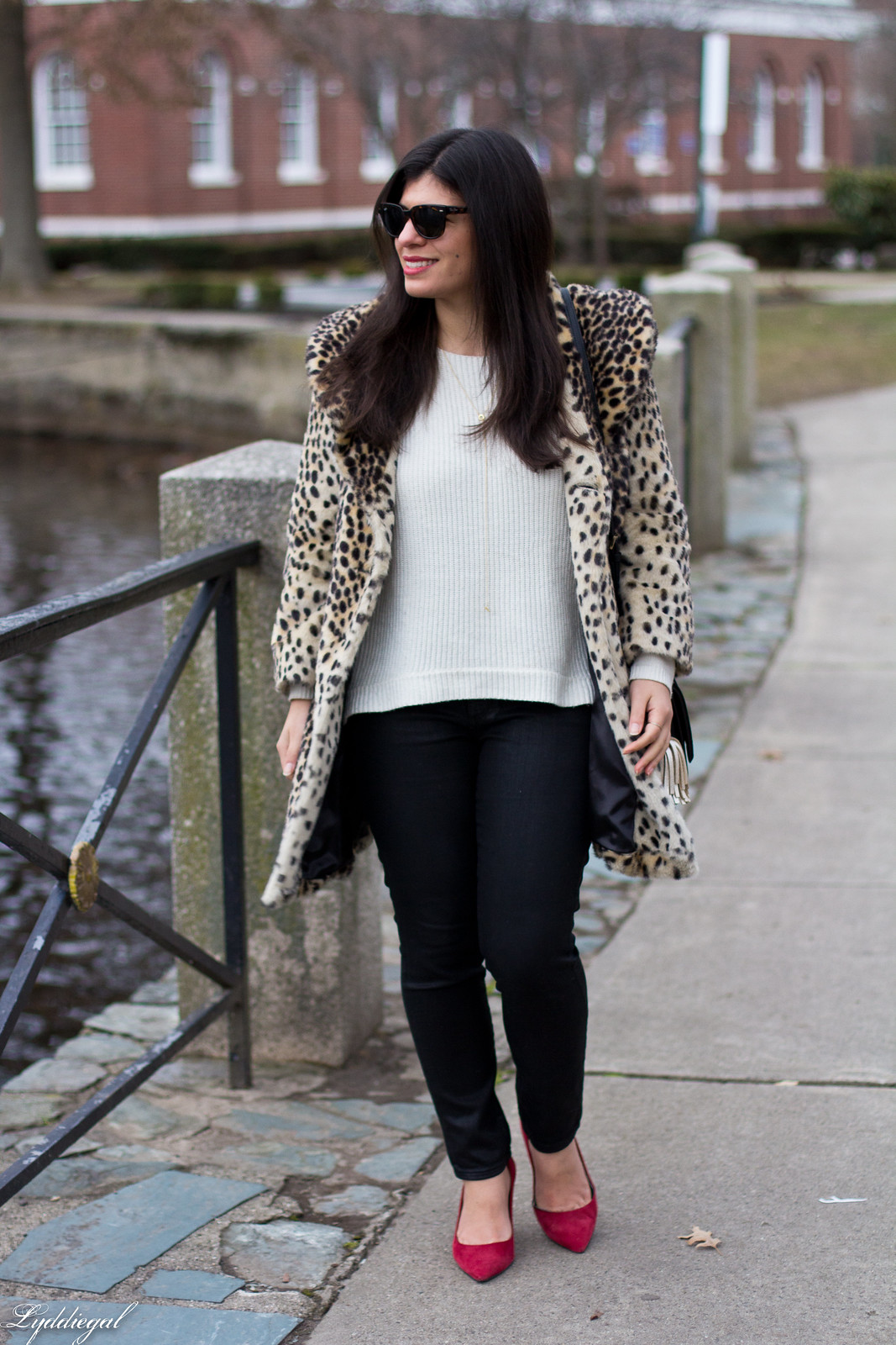 leopard fur coat, black coated jeans, white sweater, red pumps-1.jpg