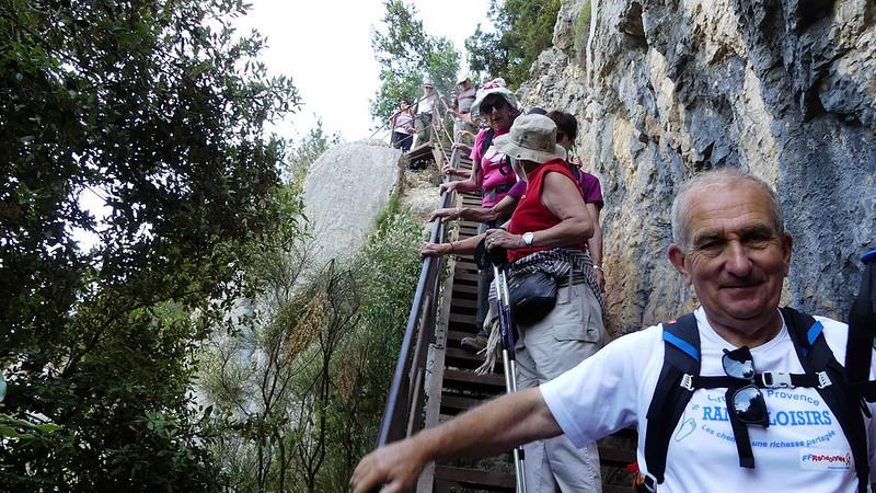 Descente sur le sentier Blanc-Martel (gorges du Verdon)