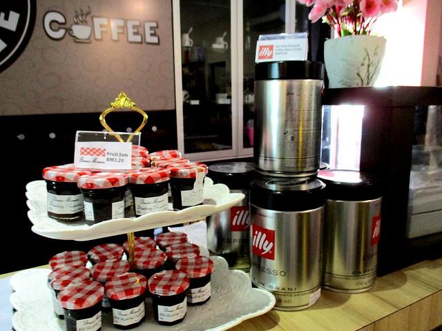 Cocoa Coffee counter