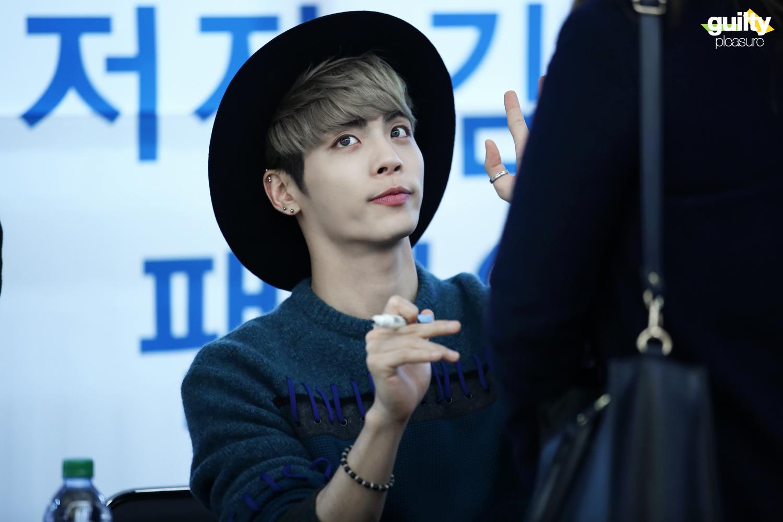 151122 Jonghyun @ 'Skeleton Flower' - Evento Fansign. 23209031465_2f3f2ceab1_o
