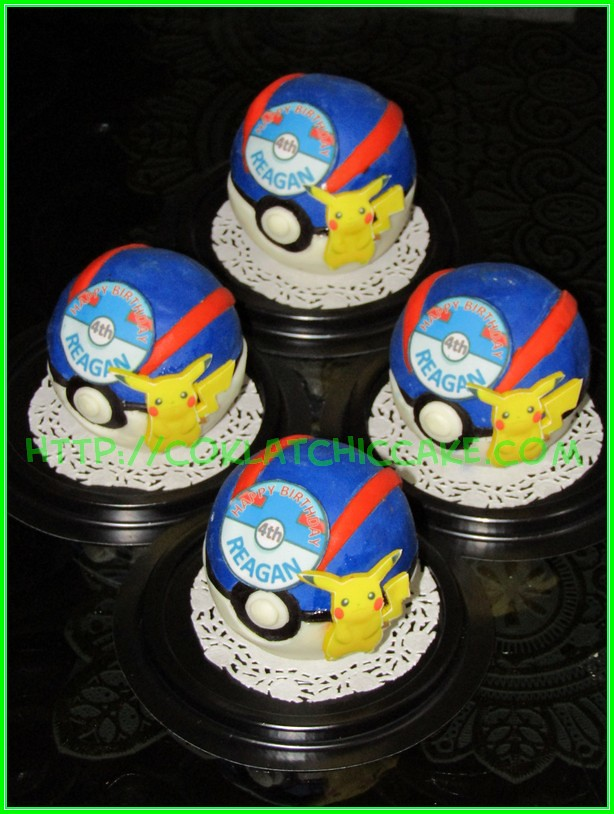 Minicake Pokemon Ball