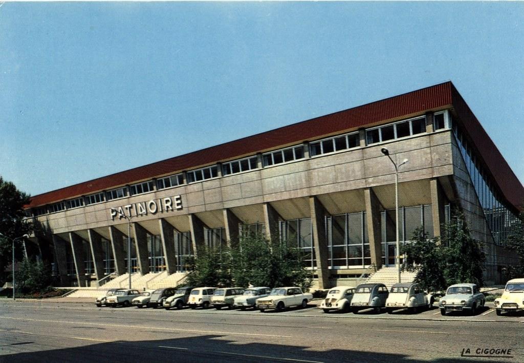 La patinoire Charlemagne à Lyon dans le quartier de Perrache - Ouverte en 1969.