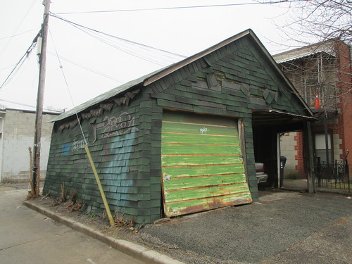 Garage on Wallace Avenue, Junction Triangle