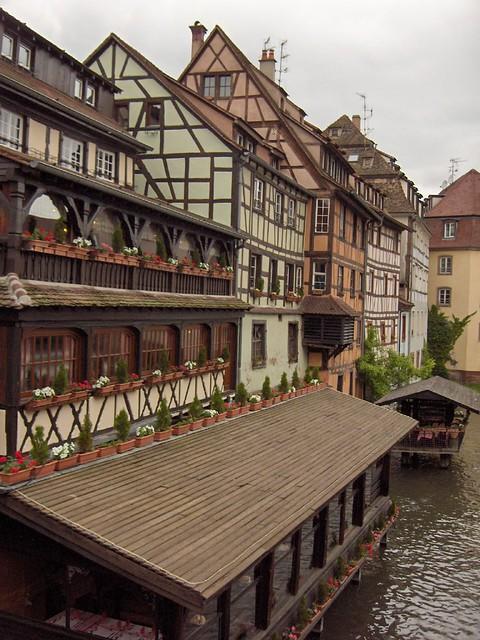 Petite france strasbourg distinct alsatian for Strasbourg architecture