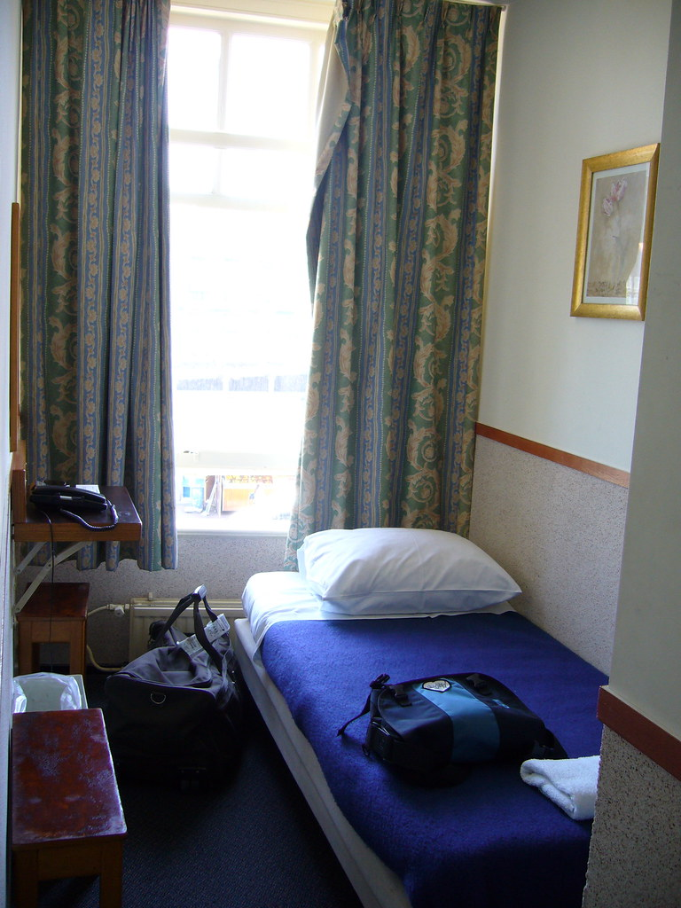 Cheap Hotel Room Carelton Place