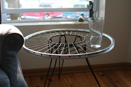 Bike wheel end table i unbuilt a wrecked rear wheel and for Bicycle wheel table