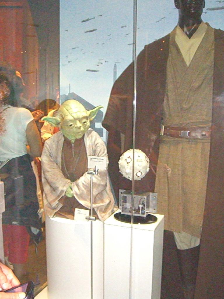 Komd weekend 179 star wars exhibit cosi science for Star wars museum california