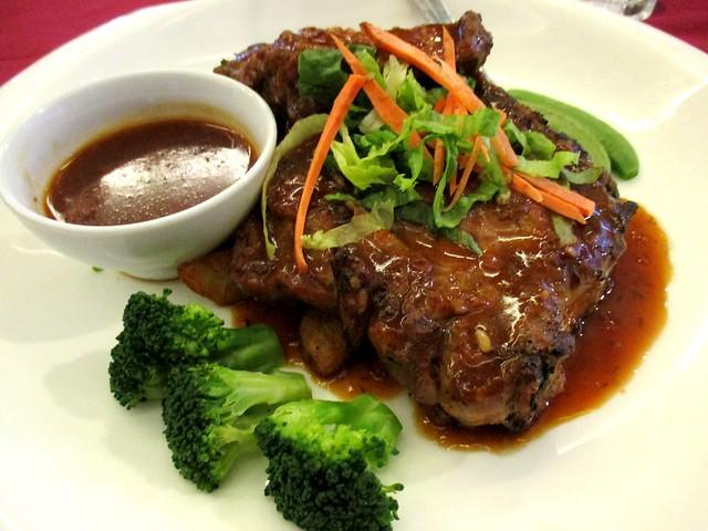 Le Ark Cafe prok chop 1