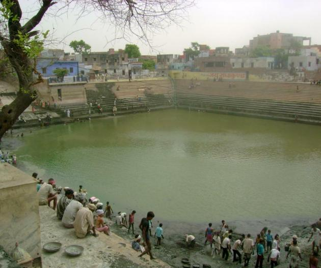 radha kund history in hindi