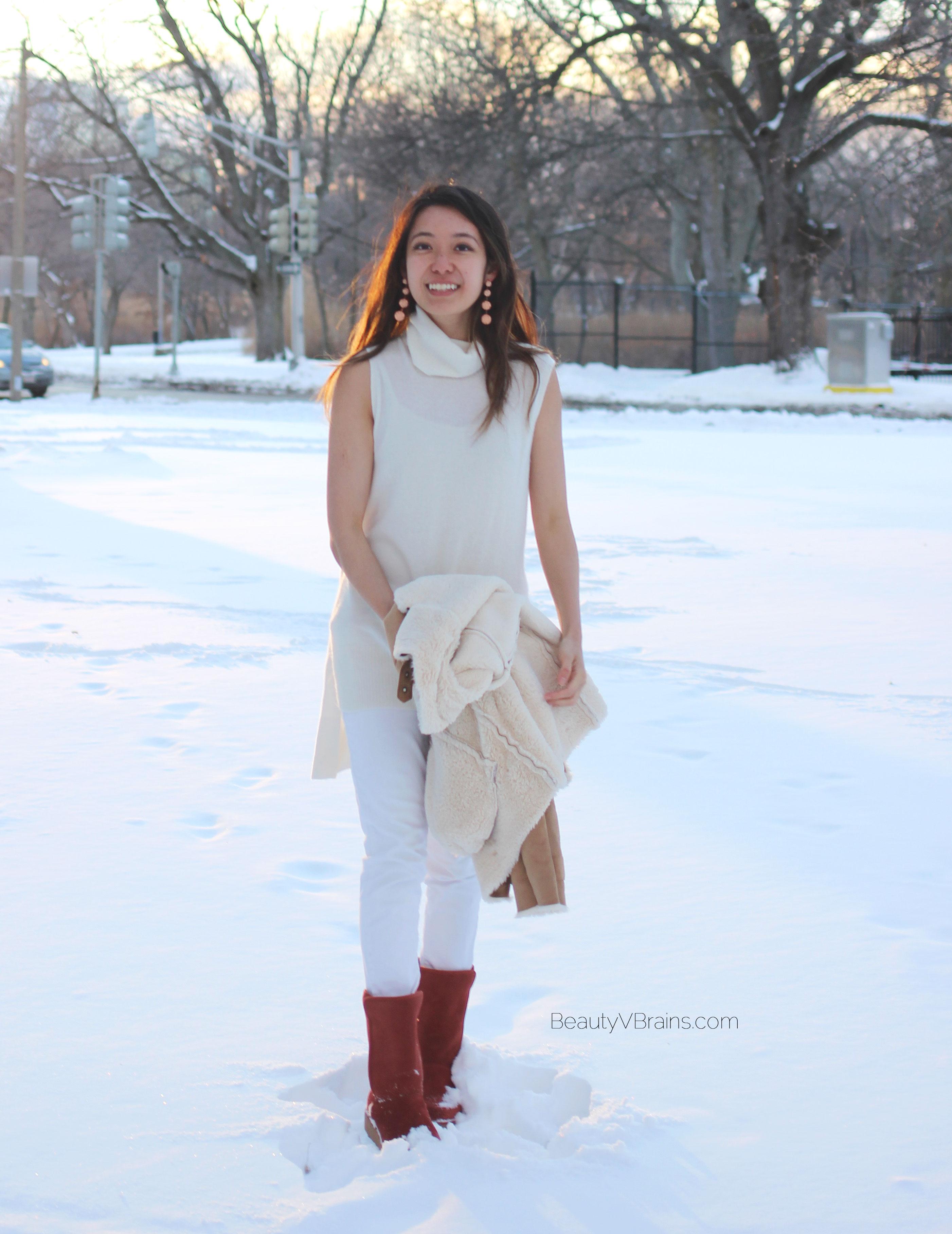 White cashmere turtleneck vest
