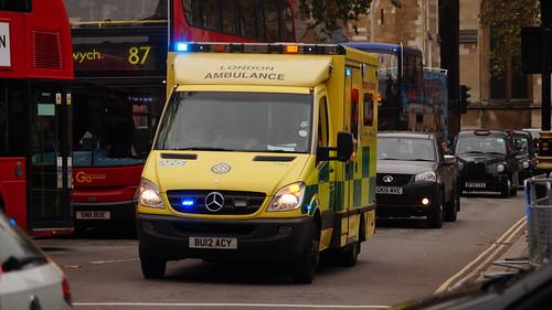 London ambulance service mercedes benz sprinter emerge for Mercedes benz emergency service