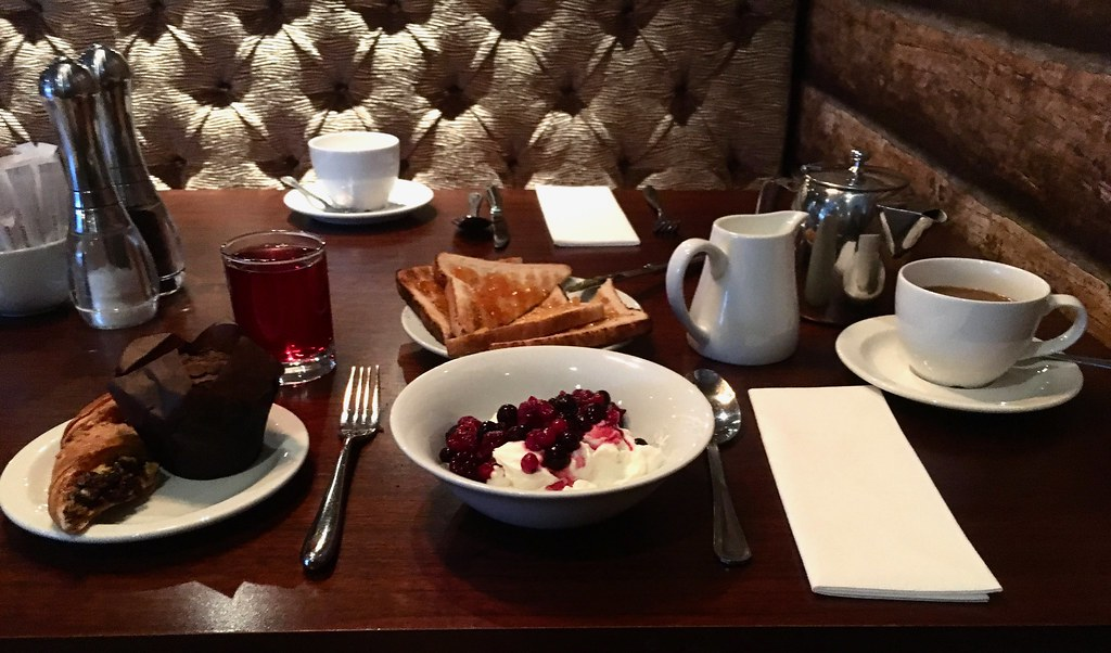 Breakfast at Worsley Park Marriott Hotel - breakfast at grill in the park worsley