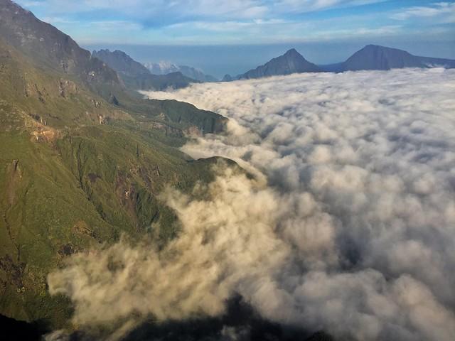 Isla Reunión desde un helicóptero (vuelo fotográfico)