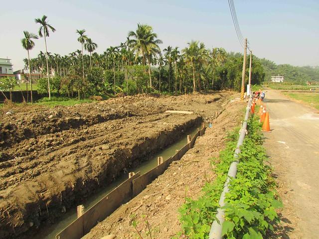 凌雲僑溪溝植被遭剷除,水保局進行農村再生整治工程。圖片提供:李慧宜