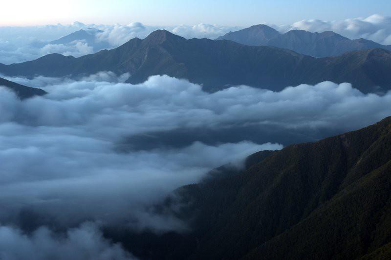 雲上の塩見岳