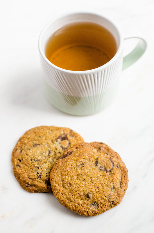 Vanilla Bean Chocolate Chip Cookies | cookingalamel.com