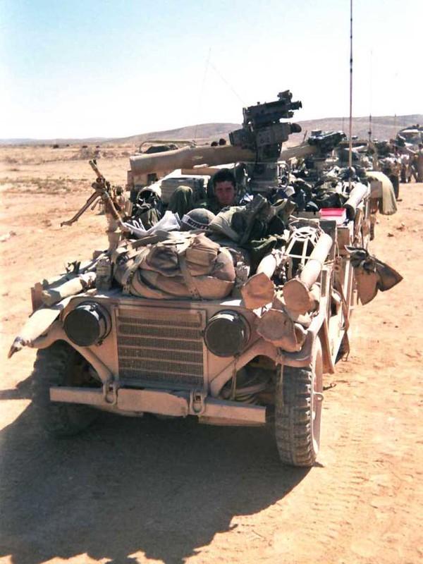M1151-tow-idf-1993.jpg