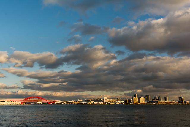 神戸港中突堤からポートアイランドを撮る
