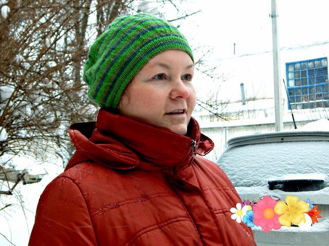 Полосатая шапка, связана спицами из троицкого Виража | HoroshoGromko.ru