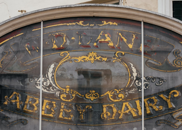 ghost sign in bath - abbey dairy