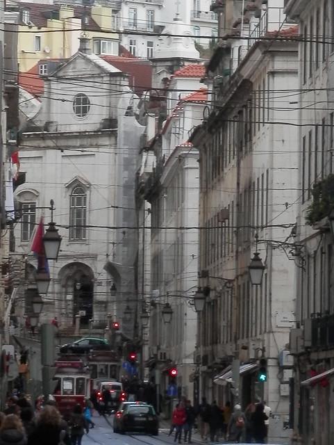 Una calle que va al centro 2