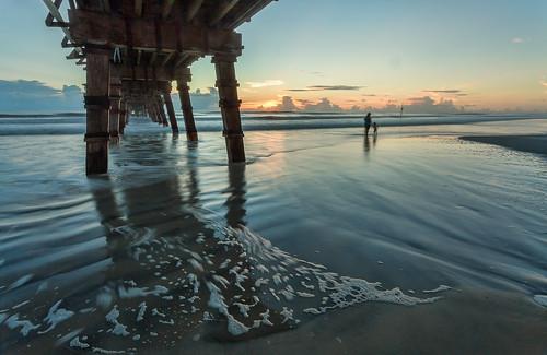 Under the sunglow fishing pier debajo del muelle flickr for Sunglow fishing pier