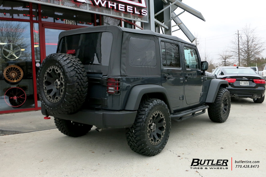 Jeep Wrangler with 18in Black Rhino Warlord Wheels and Toy ...