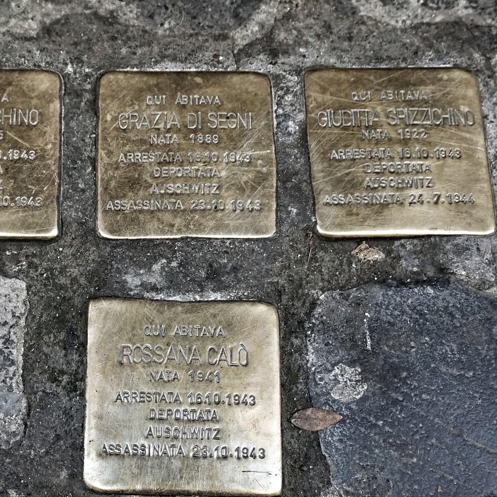 Muistolaattoja Ghetossa
