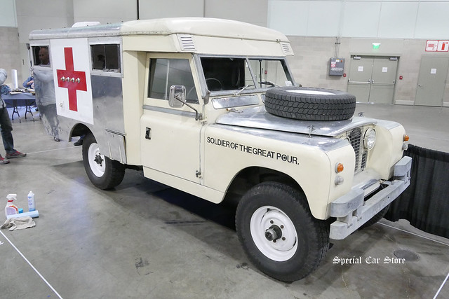 Land Rover Ambulance by Soldier of the Great Pour