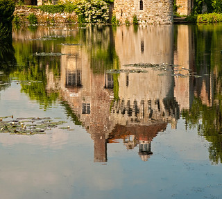 {Scotney Castle Reflection}FCC121 | by framcameraclub