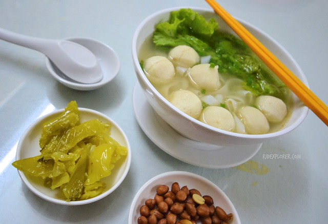 saigon food trip fishball noodles