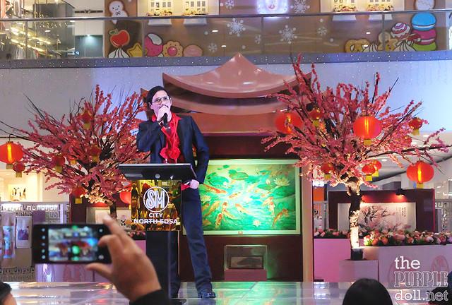 Mr Robin Padilla at Chan Lim Exhibit SM North EDSA