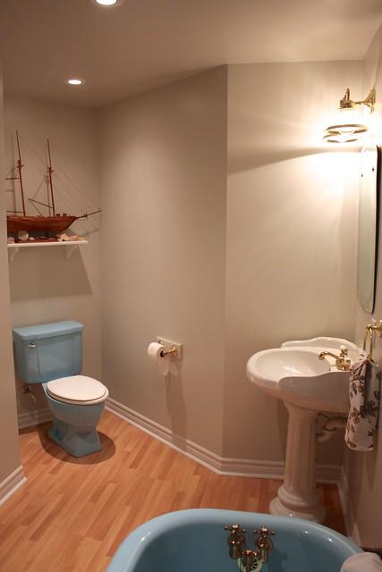 behr-marquee-ginger-sugar-bathroom
