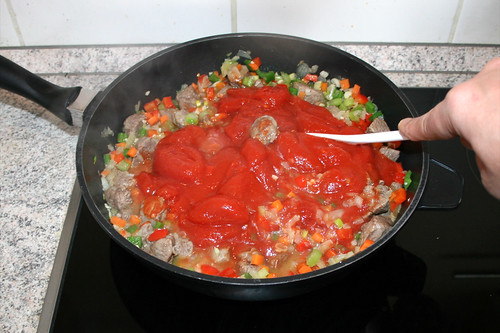 45 - Tomaten verrühren & zerkleinern / Stir & mince tomatoes