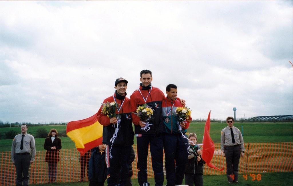 En el podio de Luton. Foto 062.